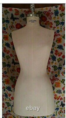 Dummy, Female Dressmaking Mannequin Tailors Dummy Fashion Bust N. Y. Taylor's