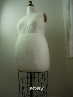 Rare Plus Size Body Positive Vintage Mannequin Tailors Dummy from New York